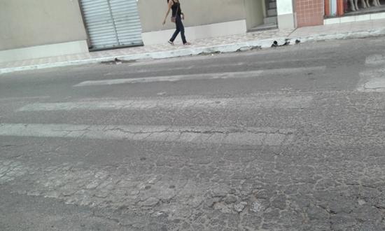 Vejam como estava o estado das faixas em Cajazeiras.